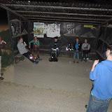 Odpočíváme a řešíme další úkol v naší oblíbené zastávce Černolice, Nový Dvůr - tu jsme totiž navštívili i při nejméně dvou předchozích nočních pochodech (naposledy v roce 2010)
