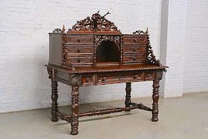 Письменный кабинет 19-й век. Дуб, резьба, выдвижные ящики.