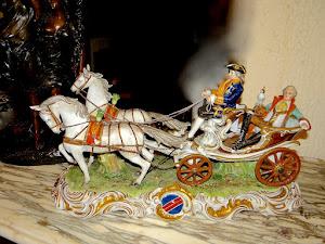 """Скульптурная композиция.  """"Барин с попугаем в карете"""". Германия ок.1930 г."""