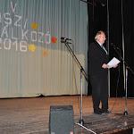 Török Alfréd, a Csemadok Lévai Területi Választmányának elnöke köszönti a közönséget