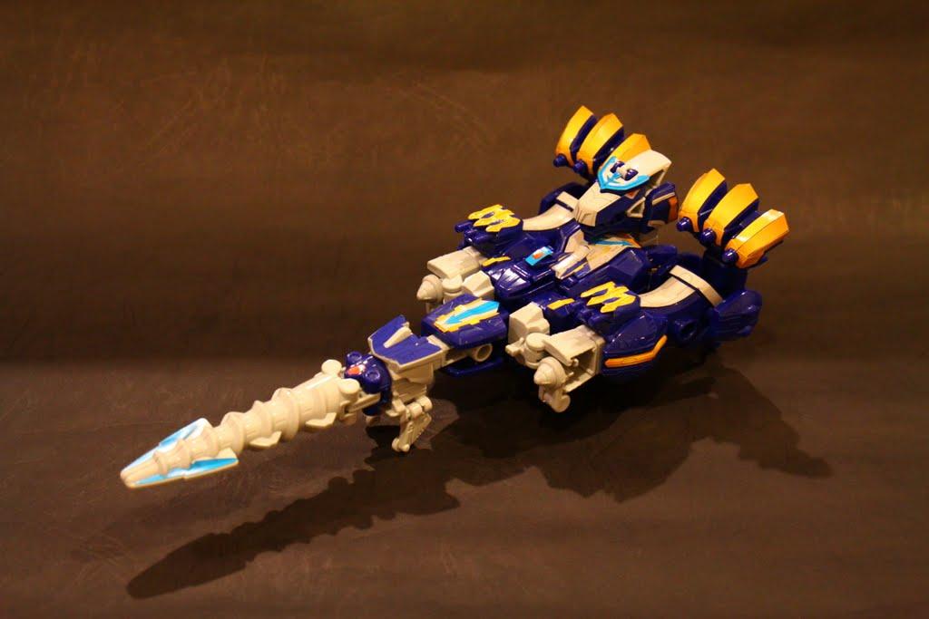 第一種型態-豪獸鑽頭:是來自於未來戰隊的力量, 也是豪快銀初始招喚出來的型態