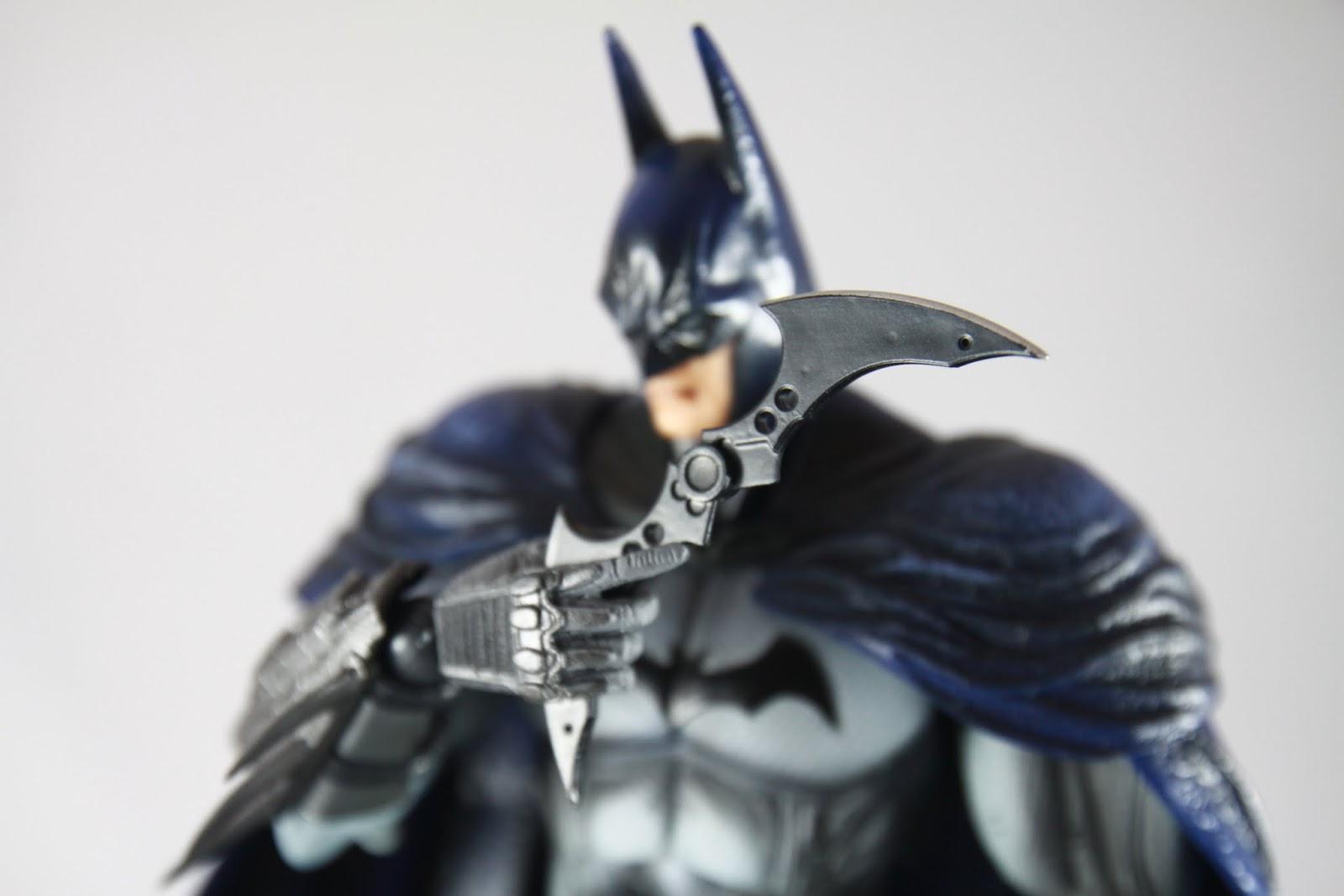 定番拿蝙蝠標的姿勢 話說相簿裡每組蝙蝠俠都是拿蝙蝠標的照片當封面~ 標本身倒是造型沒有更動