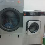 Nagyüzemi mosógépek csatasorban
