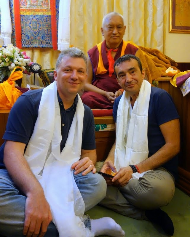 Lama Zopa RinpochewithFilippo Scianna(left) andFabrizio Pallotti, SeraJeMonastery, India, January2014. Photo byVen. RogerKunsang.