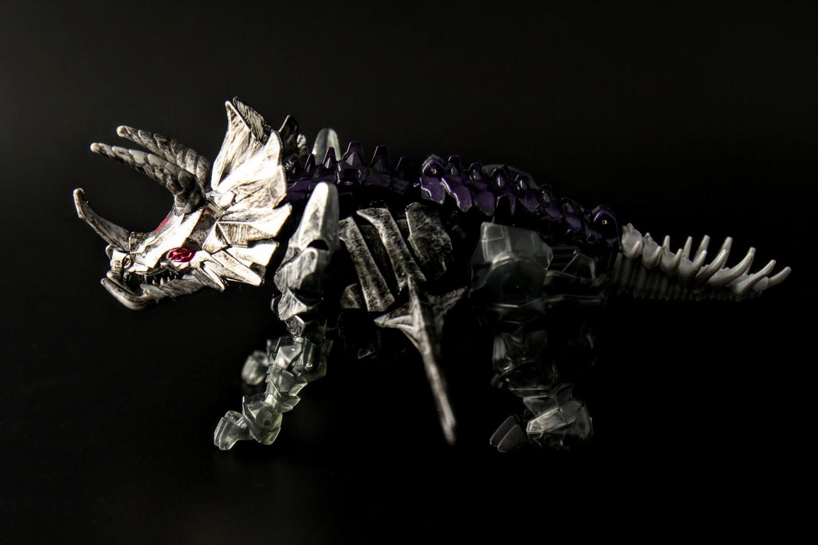 話說恐龍金剛的造型真的都算不賴,不過這隻是D級的