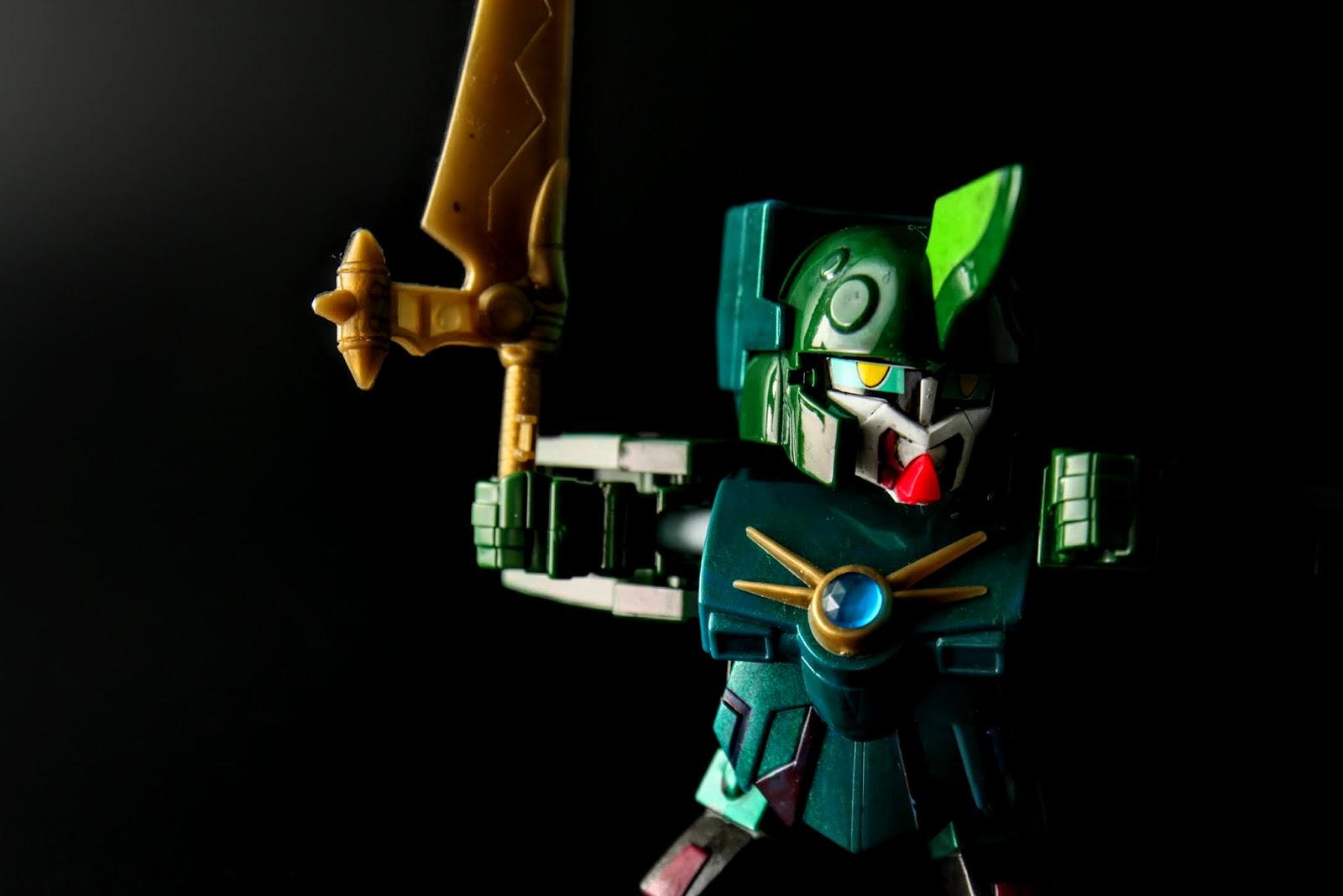 不過這把緑樹魔剣模有點壞掉,是歪的;原型是サイコガンダムmk-II