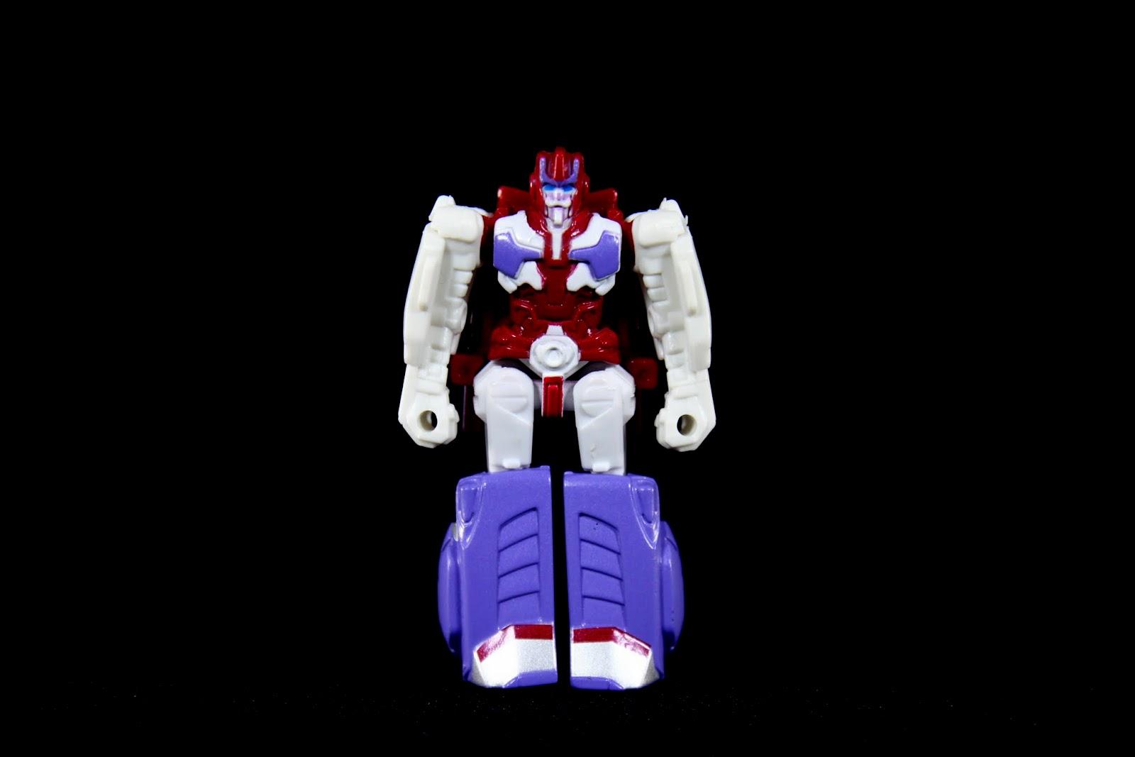 他是鈦師傅,G1設定裡柯博文就是由他改造的