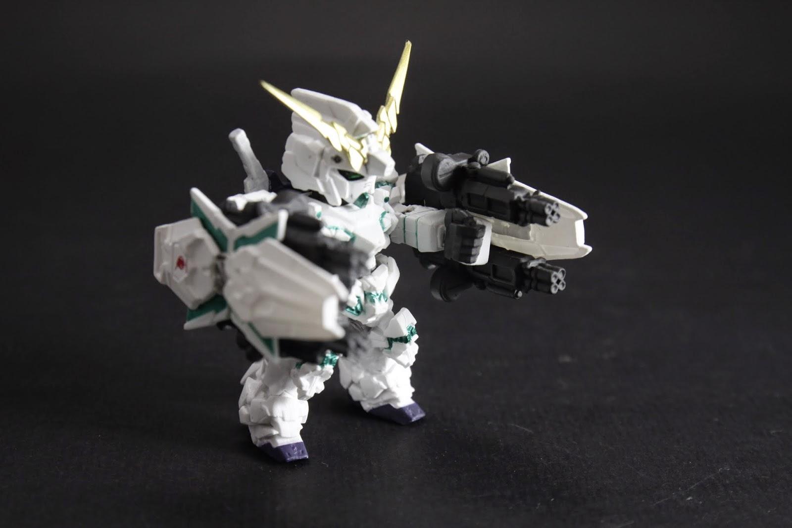 ビーム・ガトリングガン 一個盾上裝兩把,由此可見查理的關節剛性超強
