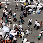 Williams engineers prepare the cars of Felipe Massa, Williams FW36 Mercedes, and Valterri Bottas, Williams FW36 Mercedes, at the front of the grid