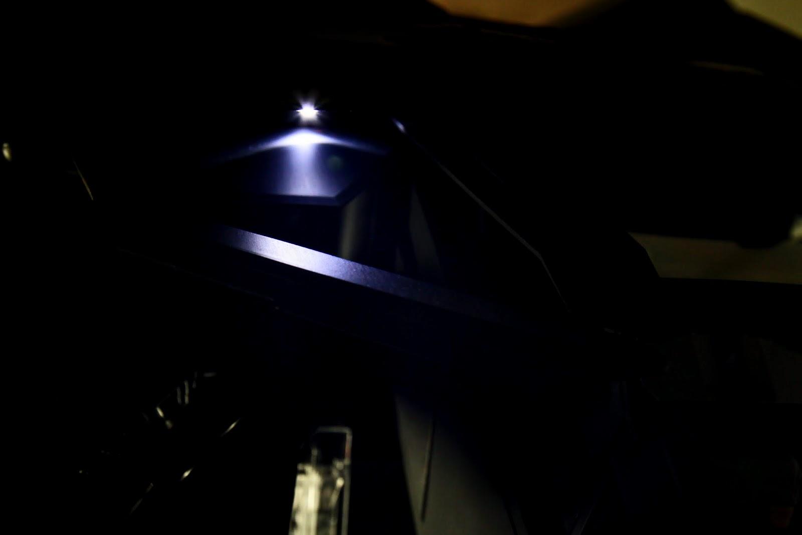 機頂的小燈有點被擋到