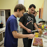 Příprava řízků na večeři