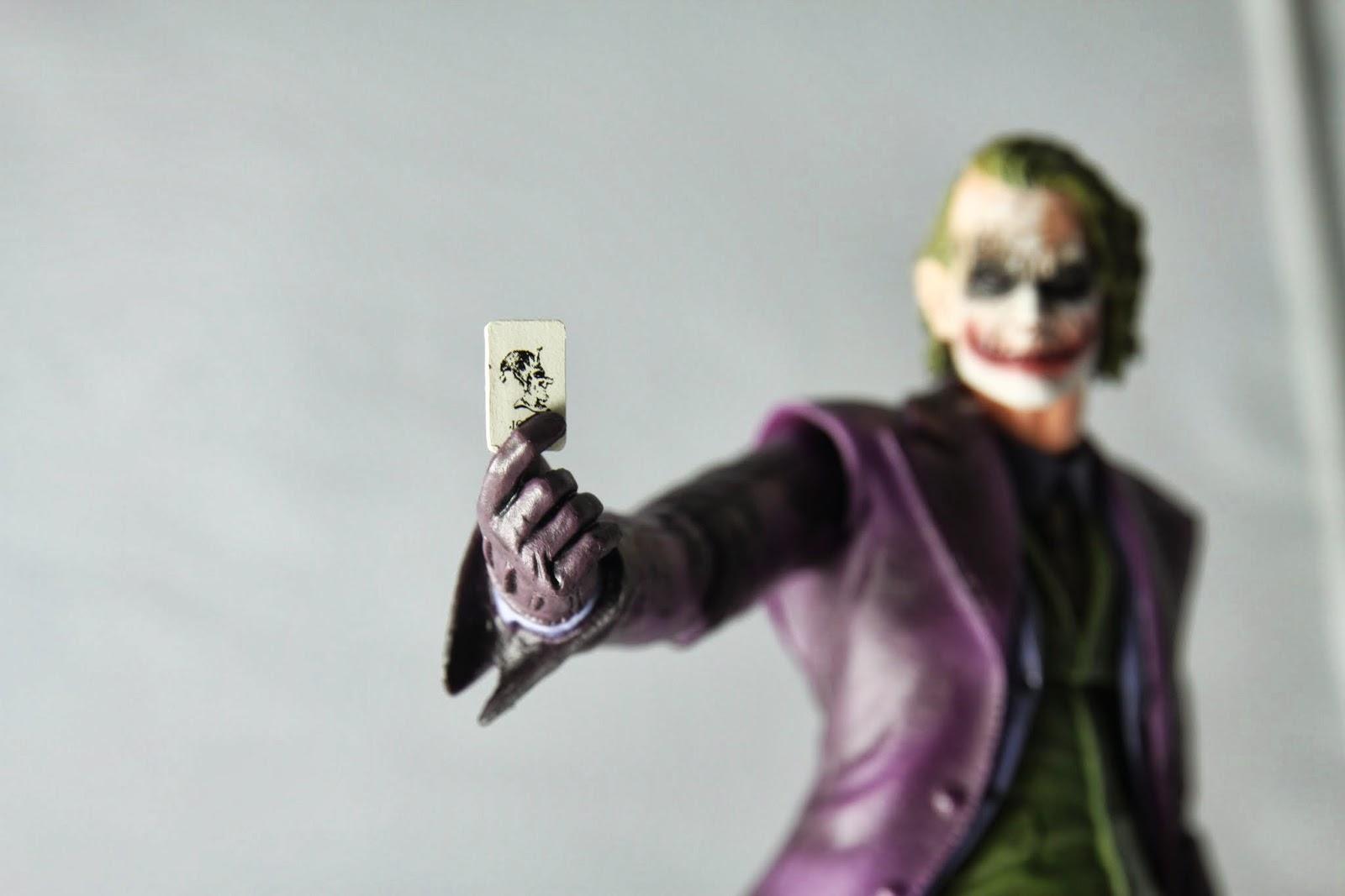 你好~我叫Joker,這是我的妹西~ 有空請打電話給我