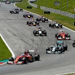 Fernando Alonso (Ferrari) still in front of Lewis Hamilton (Mercedes)