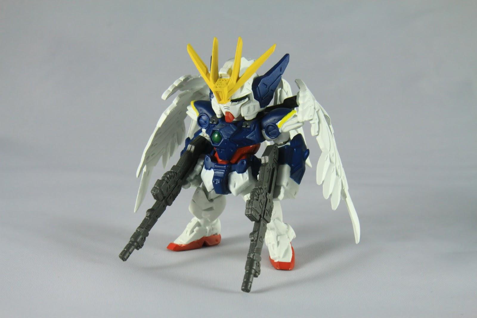 與TV版的Wing Gundam Zero為同一機體 不是後繼也不是改造 但還是不少人因為原本名稱後面的Custom然後腦補 這也是官方後來正名的原因之一吧~ 明明打從一開始就說是同一台了