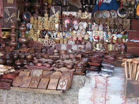 Shop selling wooden articles in Lakkar Bazar