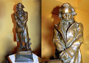 """Бронзовая подписная скульптура """"Шопен"""". Высота 65 см. 3500 евро."""