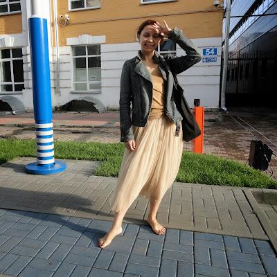 Лейла - одна из красивейших гидесс Ассоциации. У нее прекрасные ноги и веселый характер!