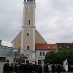 A templomba menet, ünnepi istentiszteletre