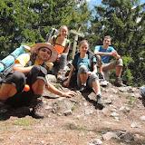 Skupinová fotka po náročném výstupu na nejvyšší brdskou osmistovku