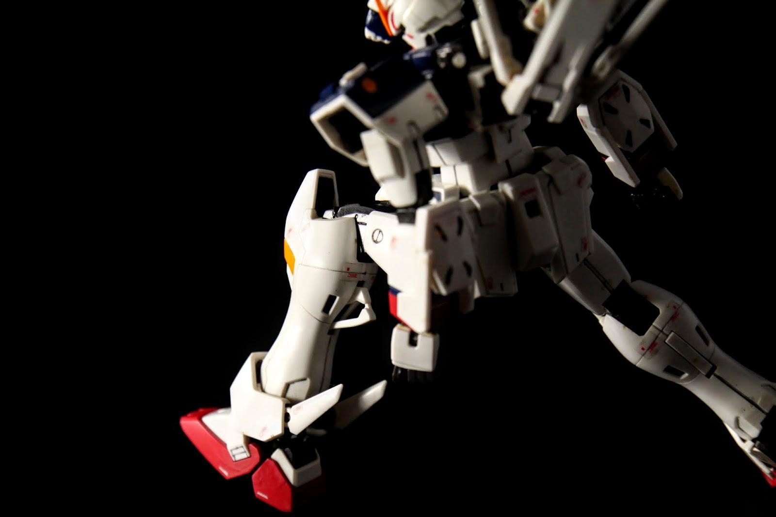 ヒートダガー, 短電熱刀兩把, 左右腿各一