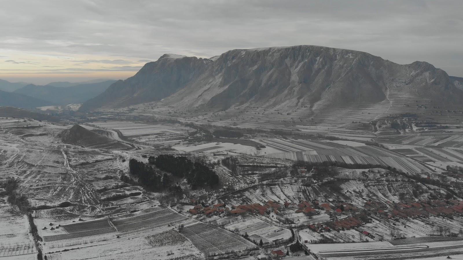 Piatra Secuiului - văzută de la Cetatea Colțești