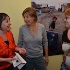 Adeline Stern (à g.), Monique Reymond (au centre), qui est une des bénévoles de l'école de cirque et Dominique Bugnon (à dr.), co-directrice de l'école de cirque