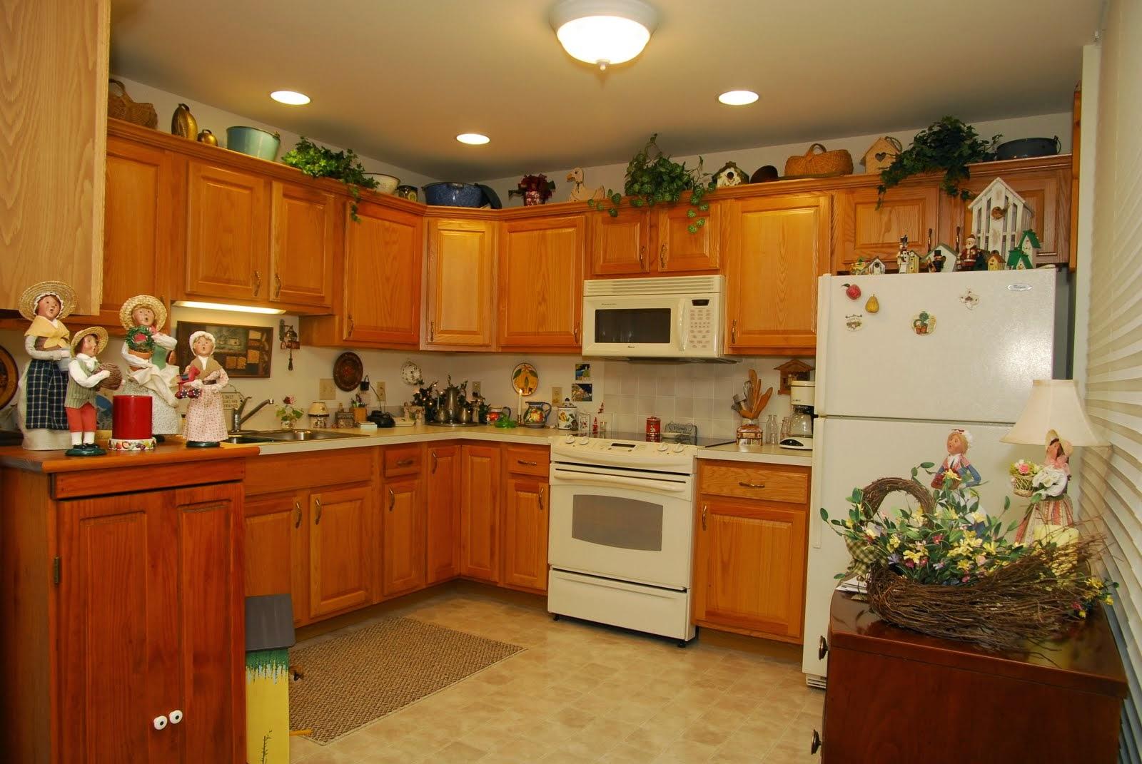 Crest View apartment kitchen
