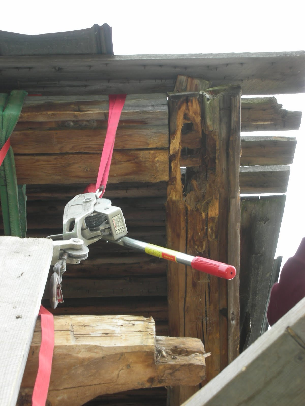 Detail of the rot at the tie beam and plate connection with the post removed.