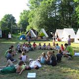 Zpět v táboře - nástup před večerním programem