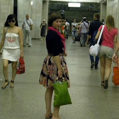 Босиком в метро совсем не опасно!