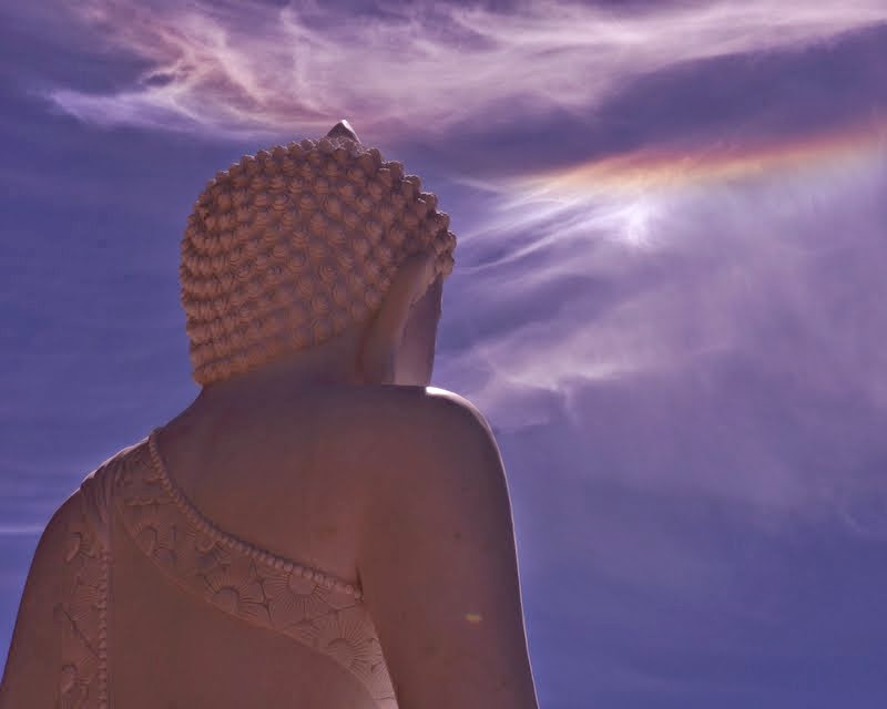 Parhelia rainbows appear in the sky above once the Amitabha Buddha statue was set on the lotus throne, Buddha Amitabha Pure Land, Washington, US, July 1, 2014. Photo by Merry Colony.