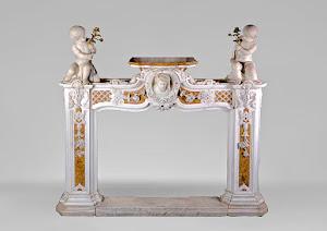 Редкий мраморный портал для камина. 19-й век. 157/40/150 см.