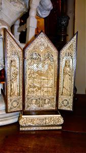 Антикварный триптих из кости. 18/19-й век.