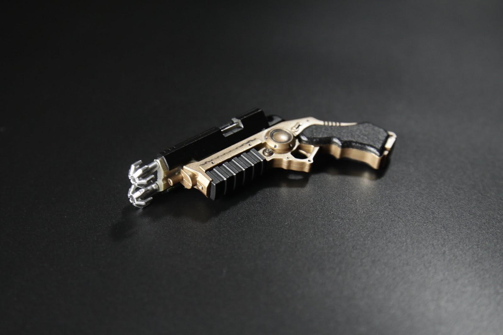 勾爪可以安裝在勾繩槍上, 但很怕連接部斷掉