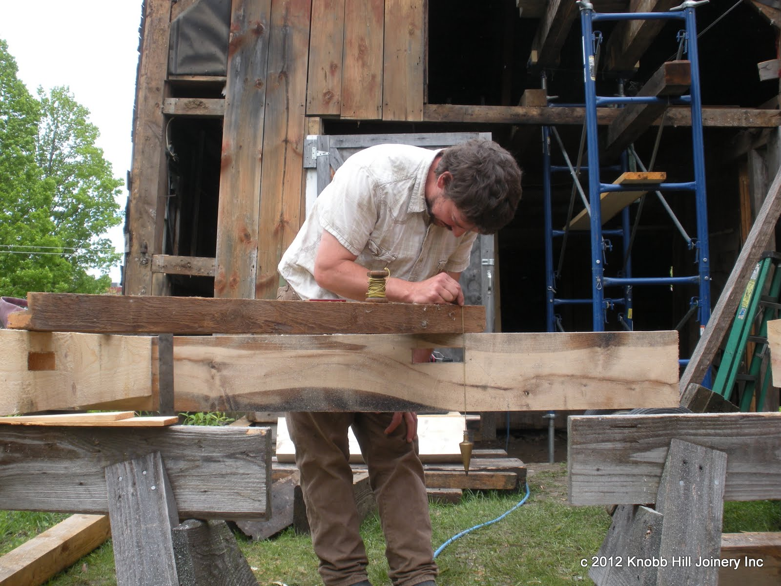 Seth scribes and original brace to fit the new lintel.