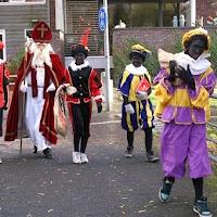 Sinter Klaas in de speeltuin 28-11-2009
