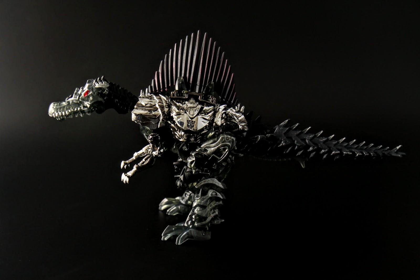 話說棘龍應該比霸王龍再更大隻