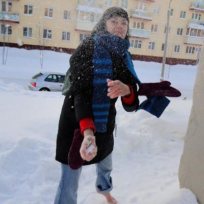 Но снег сухой и не липкий. Не получилось...