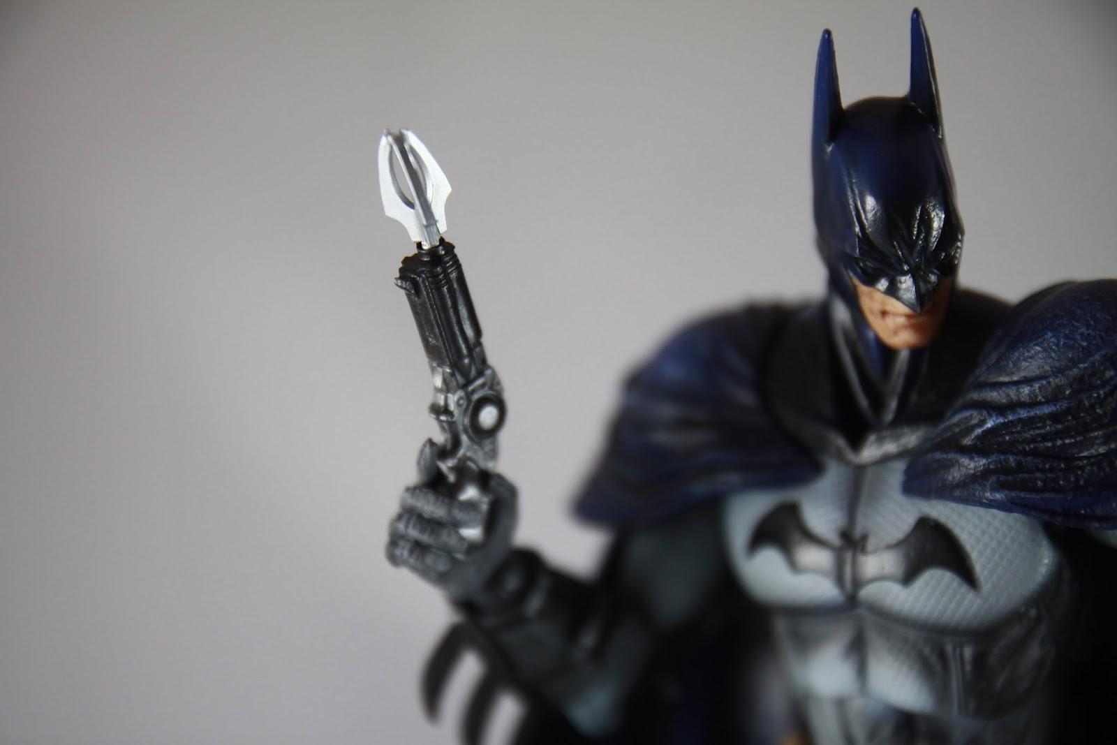 小小一把很溝追 電影黑暗騎士系列那把比較起來真是大得多