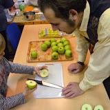 Krájení jablka - každý měl krásnou hvězdičku, takže příští rok budeme všichni zdraví :-)