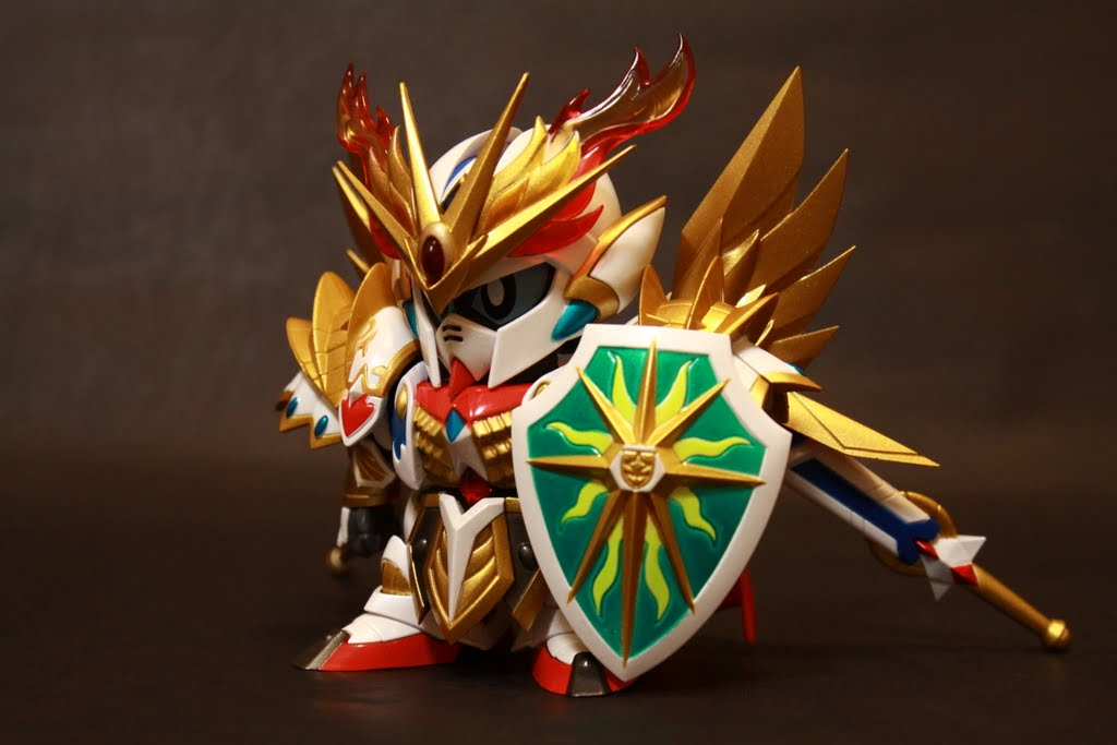 圓桌騎士篇的鎧甲,是不是比起聖機兵物語篇得來的霸氣!