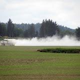 Místní JZD ladí pH půdy...