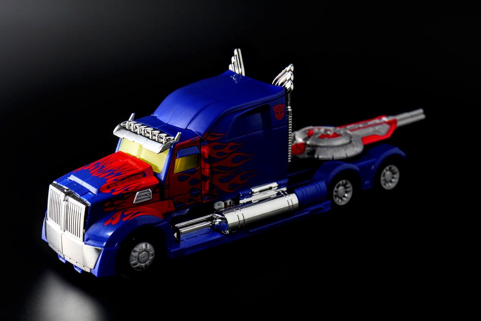 載具型態意外的完美,修改版的美版竟然也會有電鍍塗裝