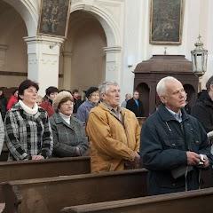 Svěcení kříže v kostele sv. Filipa a Jakuba v Trhové Kamenici.