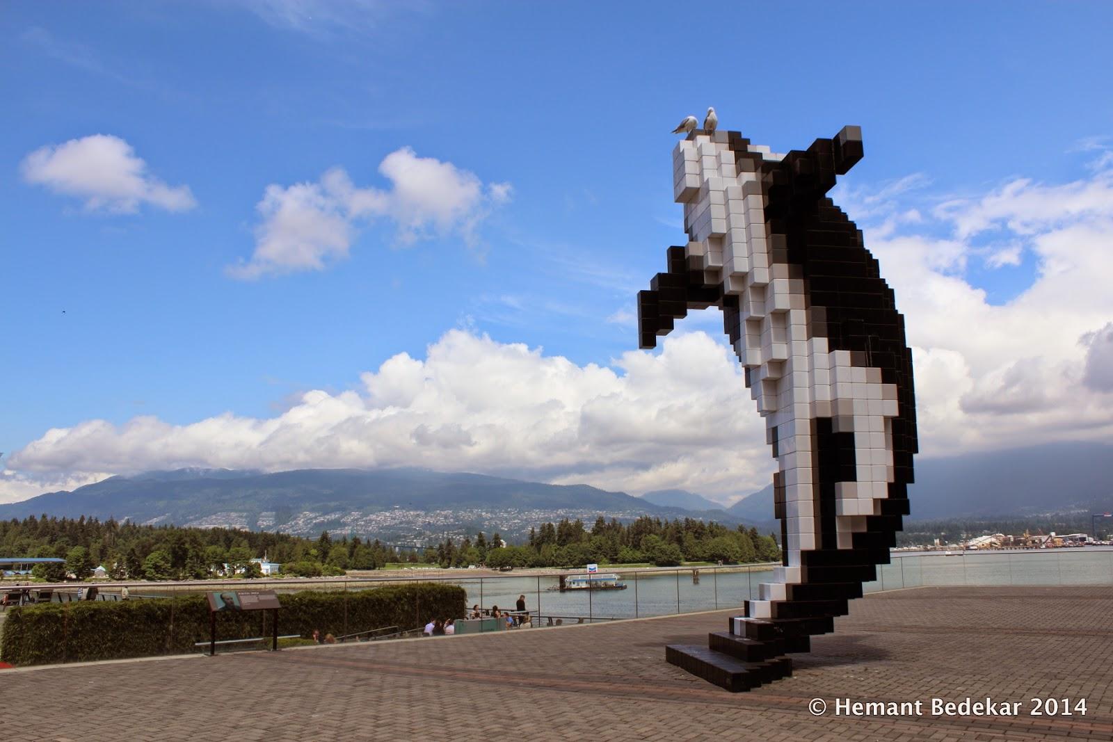 """Digital Orca"" sculpture in Coal Harbour"