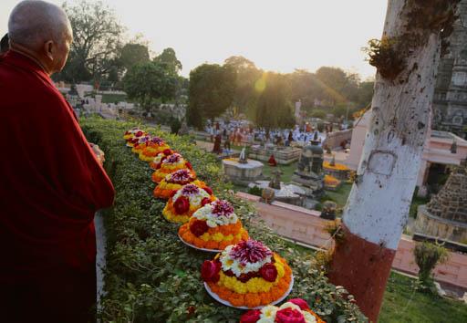 Lama Zopa Rinpoche making offerings at the Mahabodhi Stupa, Bodhgaya, India, February 2015. Photo by Ven. Thubten Kunsang.