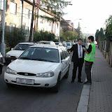 Zde jsme v očekávaný čas zastavili projíždějící auto, a začali jsme vyslýchat jeho řidiče.