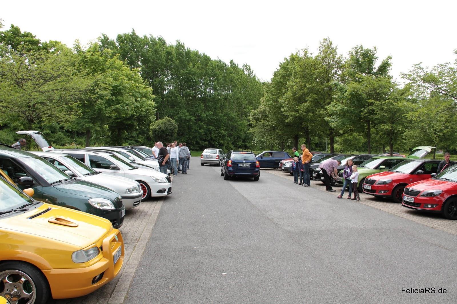 Und der Parkplatz füllt sich