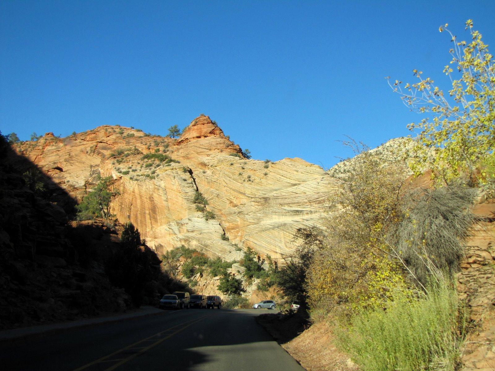 Útban az elefántbőr sziklá felé  Near to the elephant-skin rocks