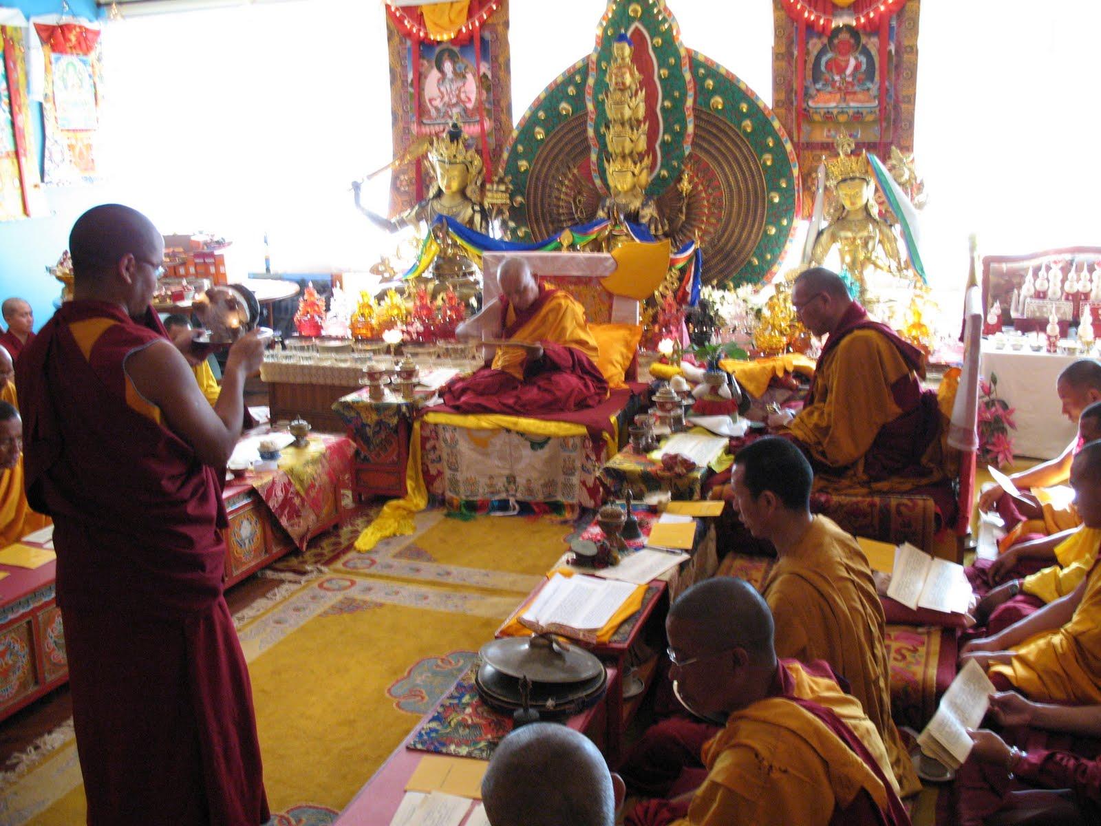 SpeciallonglifepujatoLamaZopaRinpoche,KopanMonastery, June2007.